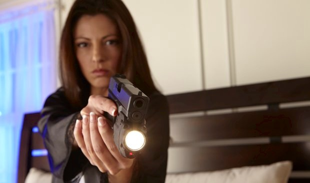 bayan silahı